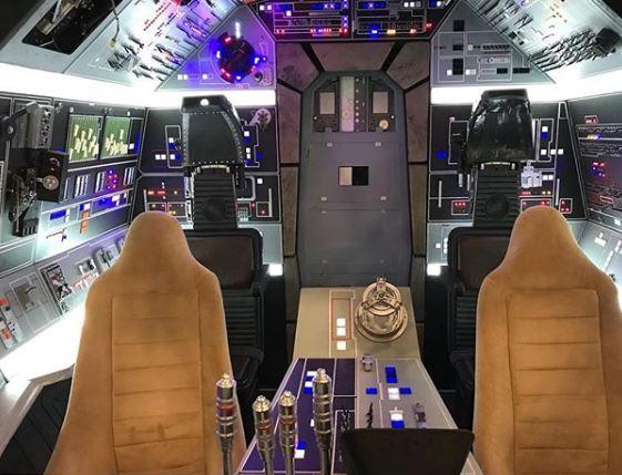 Falcon Cockpit 1